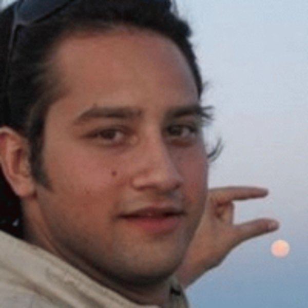 Naamloos 1 can you please photoshop the sun between my fingers? know your meme