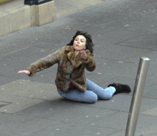Scarlett Johansson Falling Down Know Your Meme
