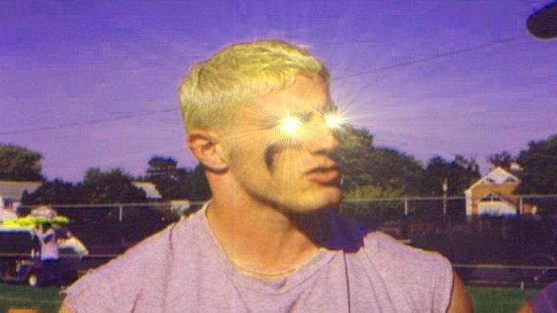 GE glowing eyes know your meme