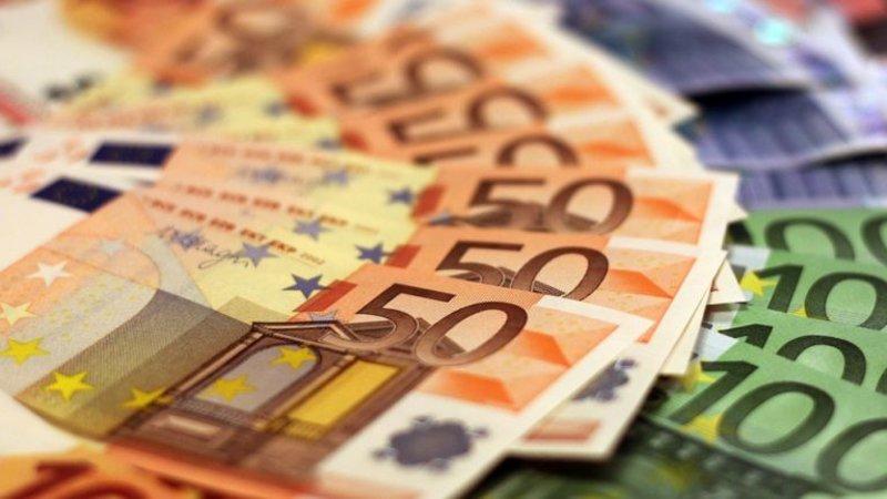 Money-1005476-960-720