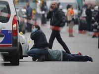 The Internet Mourns <i>Charlie Hebdo</i> Victims