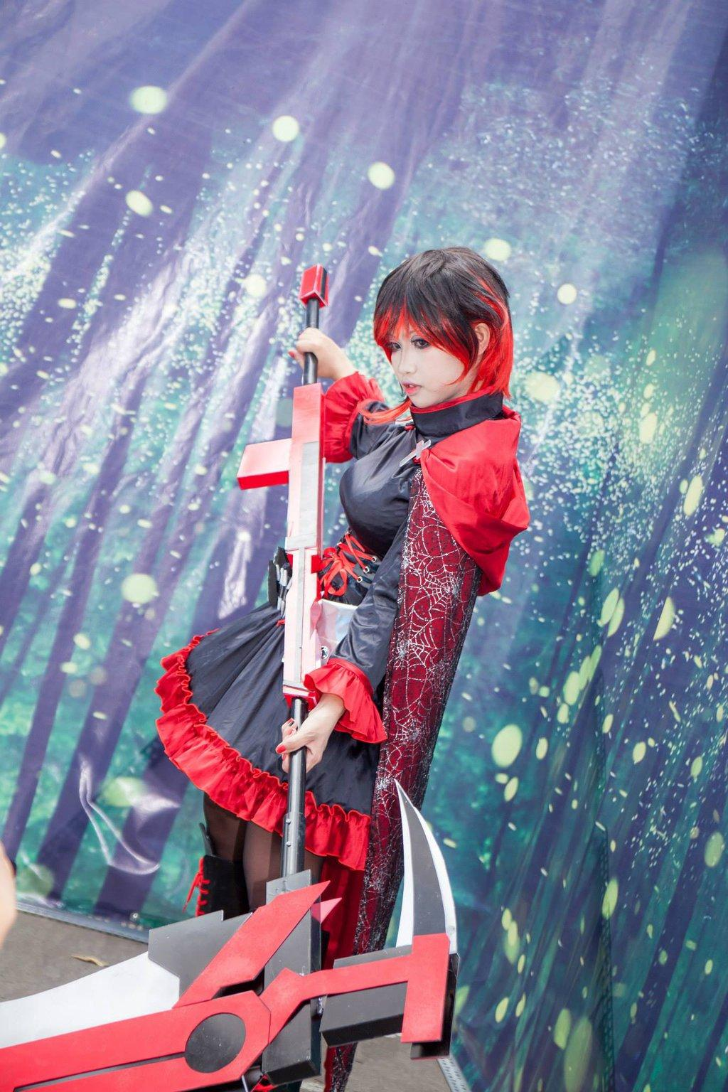 Ruby Cosplay | RWBY | Know Your Meme