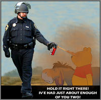 Pepper_spray_cop_1