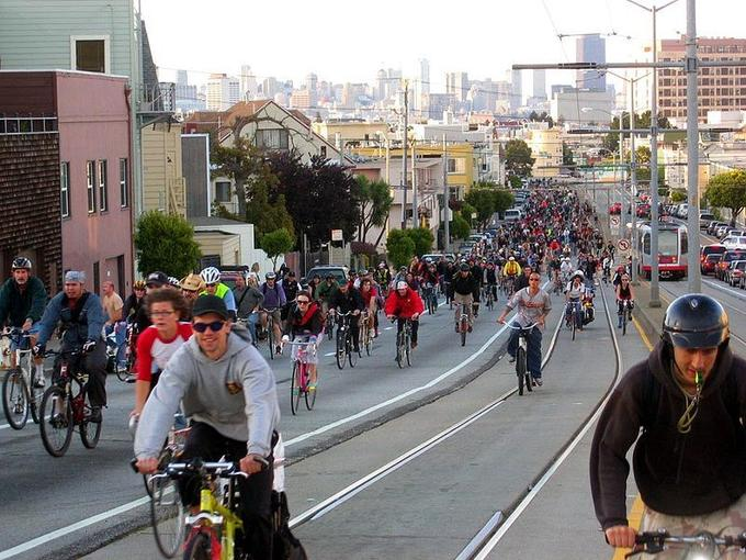 800px-Critical_Mass__San_Francisco__April_29__2005.jpg