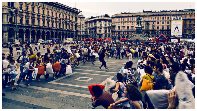 Pillow_Fight_in_Milan_by_nervo86.jpg