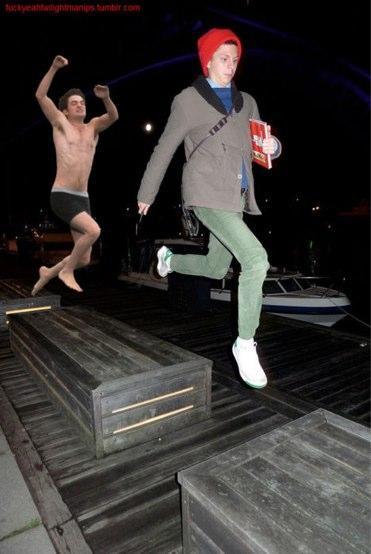 jumpingrobprancingcera.jpg