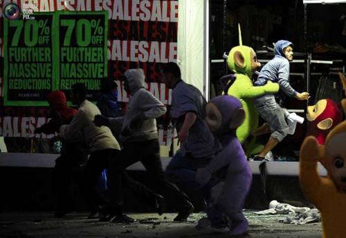 UK Looters Get Photoshopped