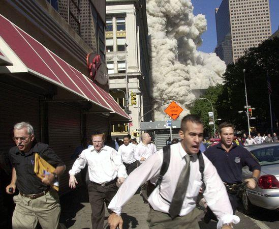 september-9-11-attacks-anniversary-ground-zero-world-trade-center-pentagon-flight-93-people-running-wtc_40011_600x450.jpg