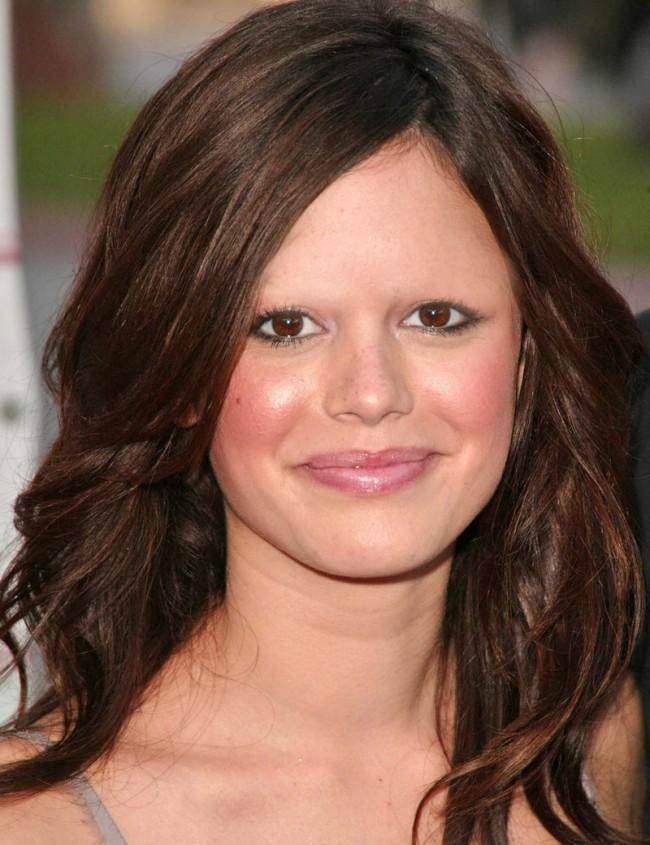 eyebrows-rachelbilson-650x845.jpg