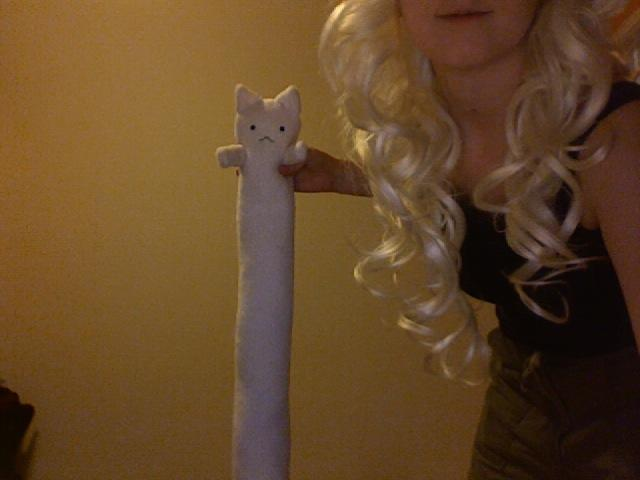 Hh-chan_longcat_is_long.jpg