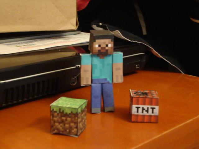 minecraft_papercraft_by_yayofangamer-d4japtv.jpg