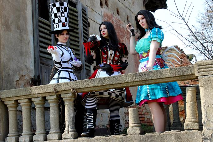 Alice Madness Returns Cosplay Group