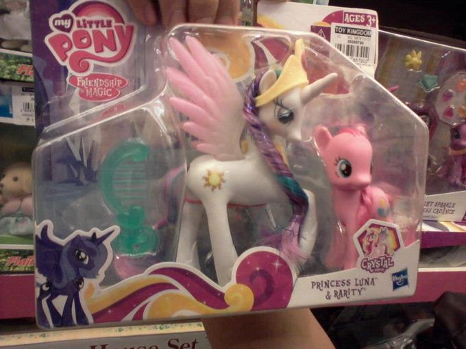 Pinkie is replacing Rarity in S4