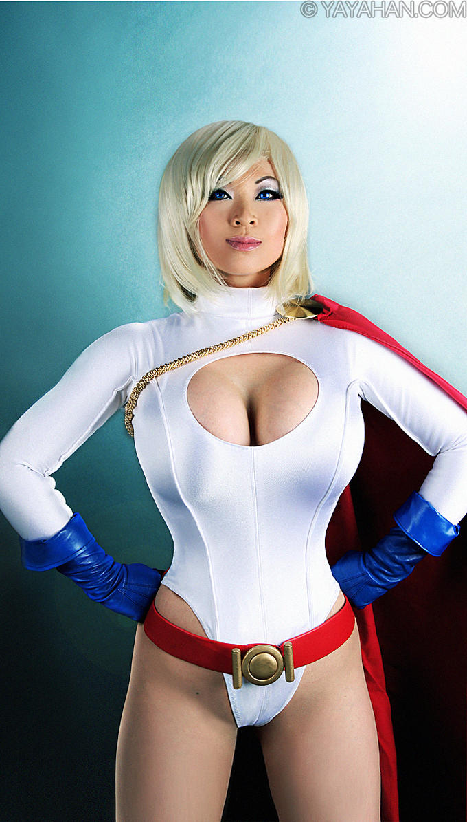 Power Girl Cosplay by Yaya Han