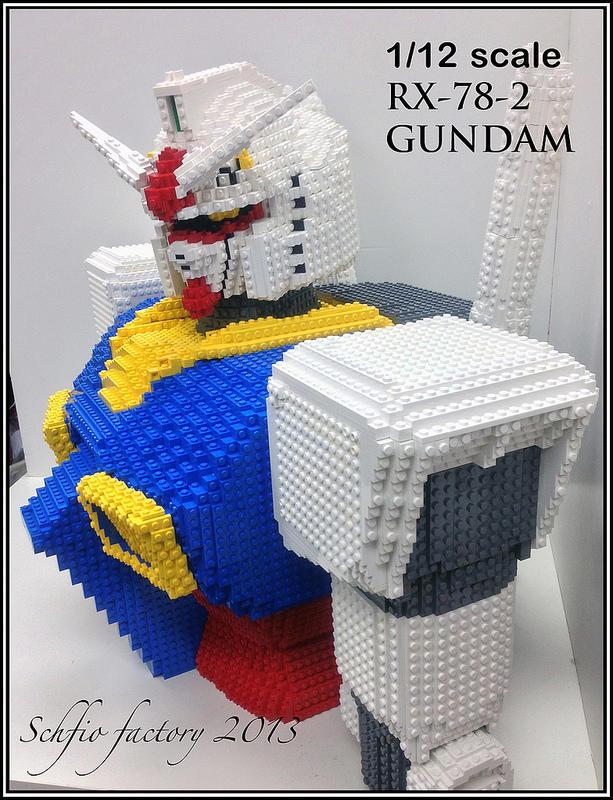 1/12 Scale RX-78-2 Gundam in LEGO