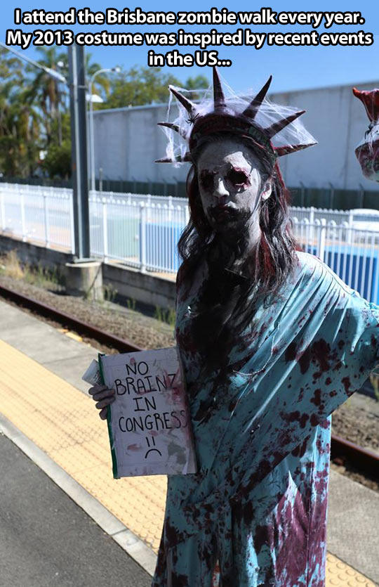 Zombie Statue of Liber...