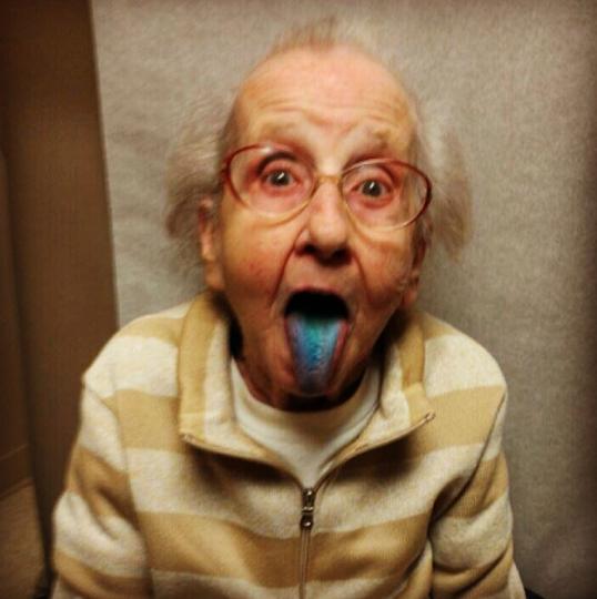 Grandma Blue Tongue