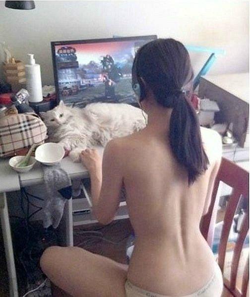 Korean gamer girl nude