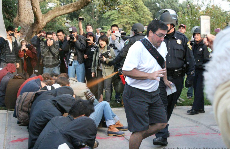 3e2 bombing the pepper spray cop in the way guy know your meme