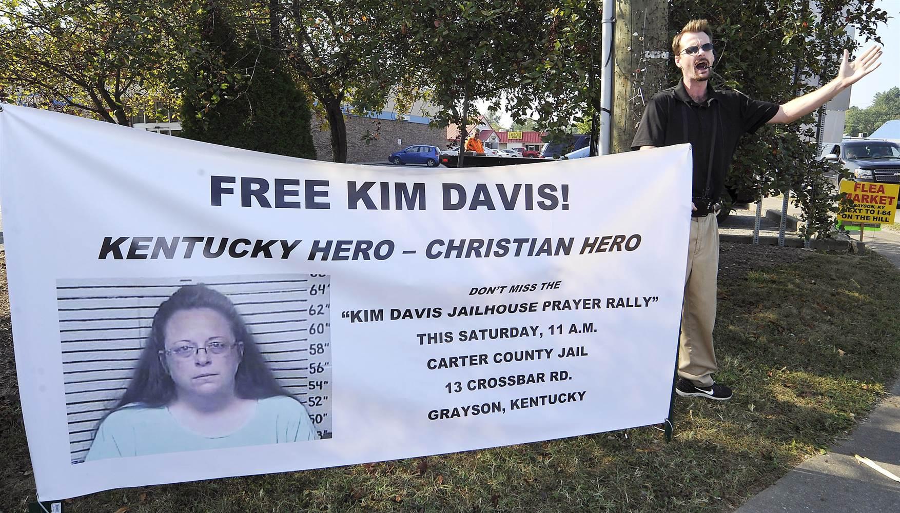 Cringeworthy banner kim davis marriage license controversy lea rket tto 1 64 on the h kentucky hero aiddatafo Choice Image